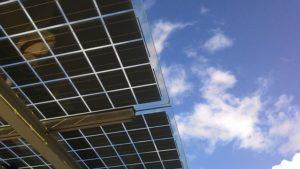 Panneaux solaires vu de dessous
